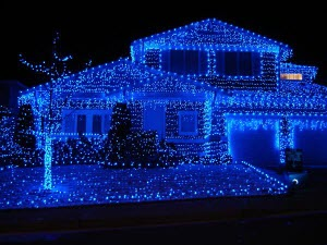 blue-christmas-lights-house_300x225.jpg
